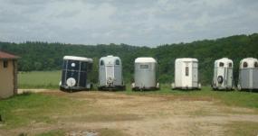 Parking van pour les propriétaires de chevaux